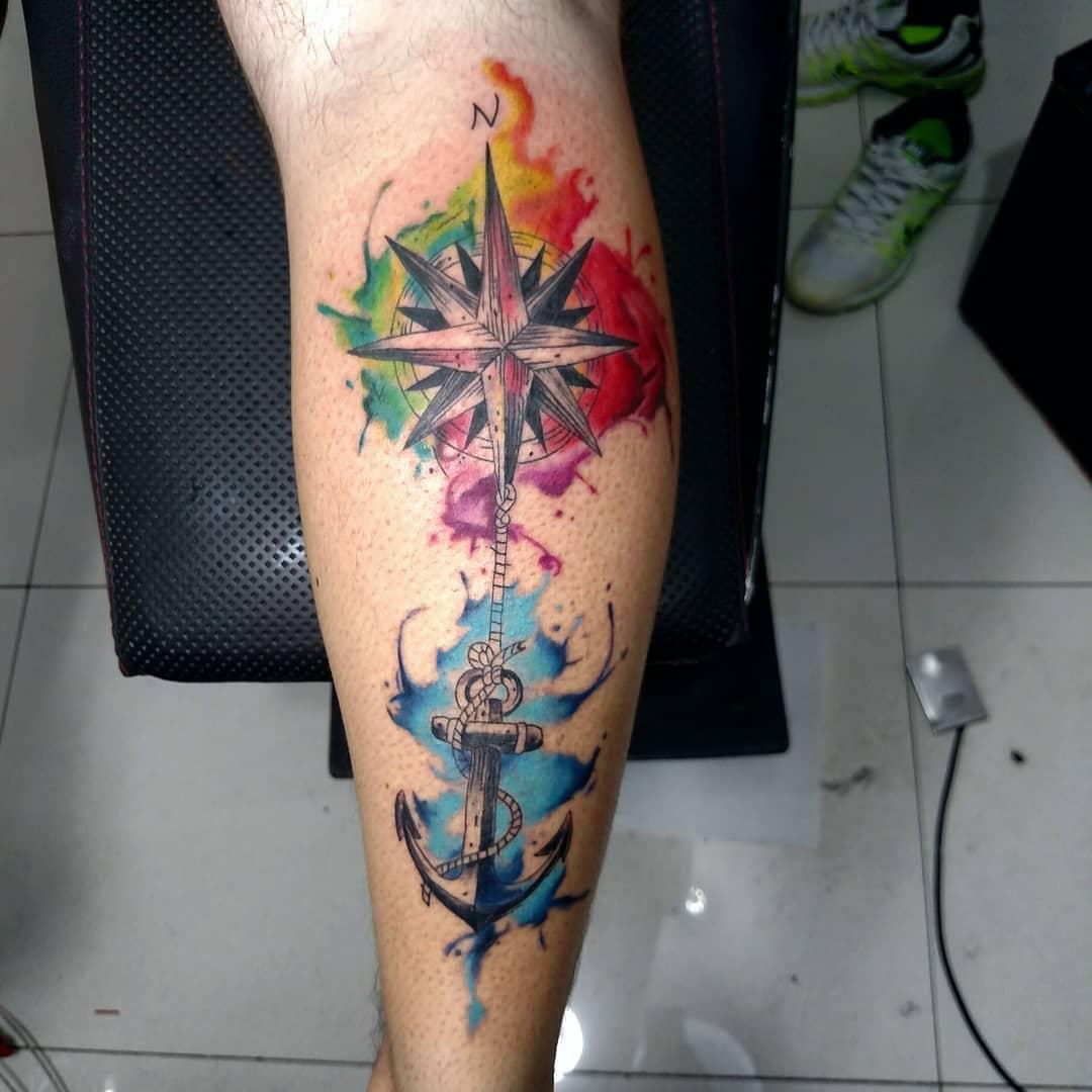 於先生小腿水彩指南针船锚纹身图案