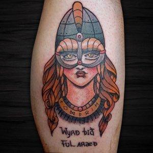 小腿oldschool美女英文字纹身图案